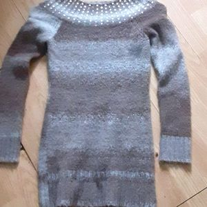Sequined collar sweater
